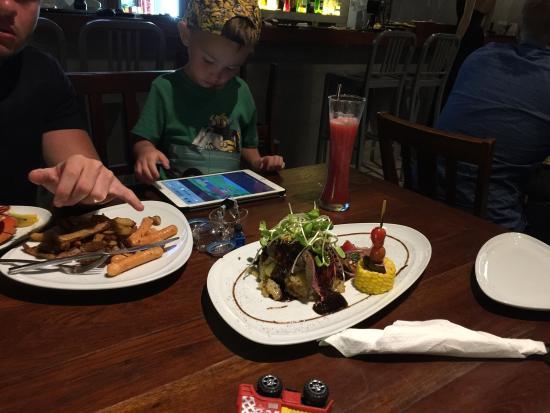 EAT. bar & grill Photo