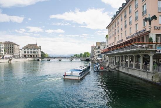 Storchen Zurich: Exterior