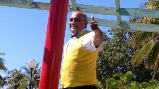 Club Amigo Carisol Los Corales: Calme toi le pompom Francesco lollllll