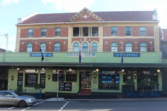 Willoughby, Australia: Front
