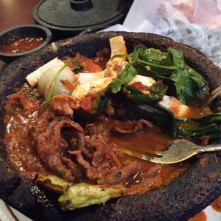 Los Molcajetes Restaurant & Cantina : Molcajete a La Mexicana Red Sauce $12.99