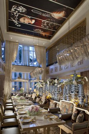 Hotel Mulia Senayan: Table8 - Main Dining Room