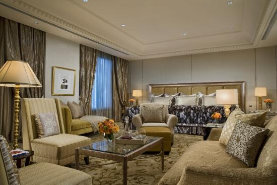 Hotel Mulia Senayan: The Duke Suite -Master Bedroom