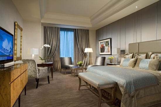 Hotel Mulia Senayan: The Baron Suite - Master Bedroom