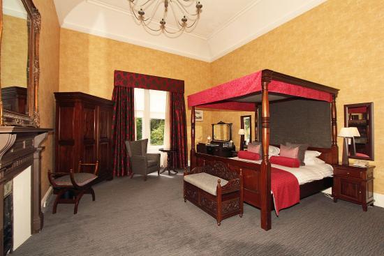 Skeabost Hotel