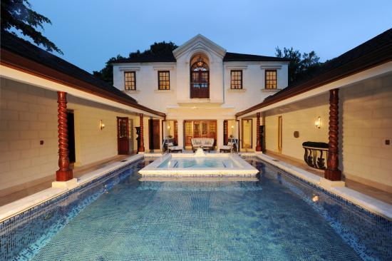 Sandy Lane Hotel: Villa Exterior