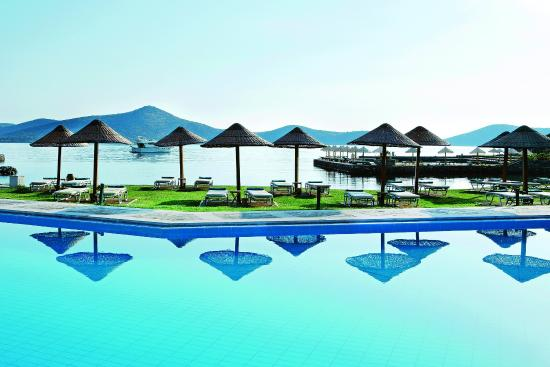 Porto Elounda Golf & Spa Resort: Beach-side Pool