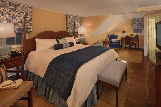 Lord Jeffery Inn: King Guestroom