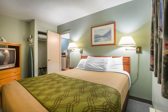 Cranbrook, Kanada: Suite with queen bed
