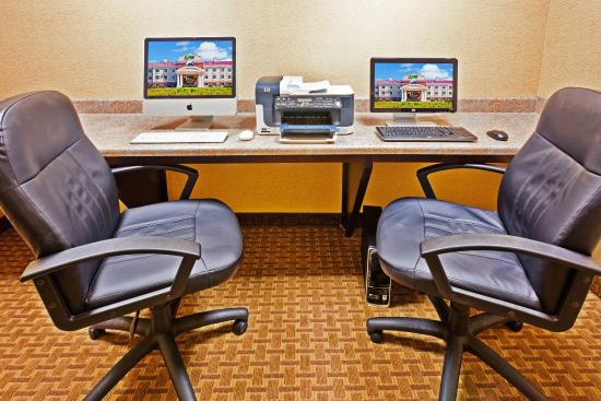 Magee, MS: Business Center