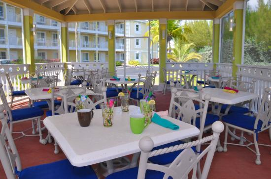 Sunshine Suites Resort: Cantina