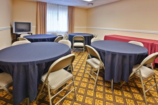 Candlewood Suites: Meeting Room