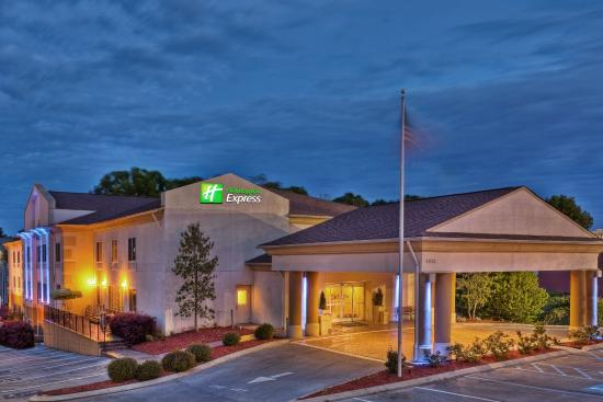 Hotels Near Hixson Tn