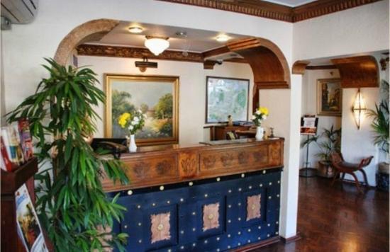 Megara Palace Hotel: Reception