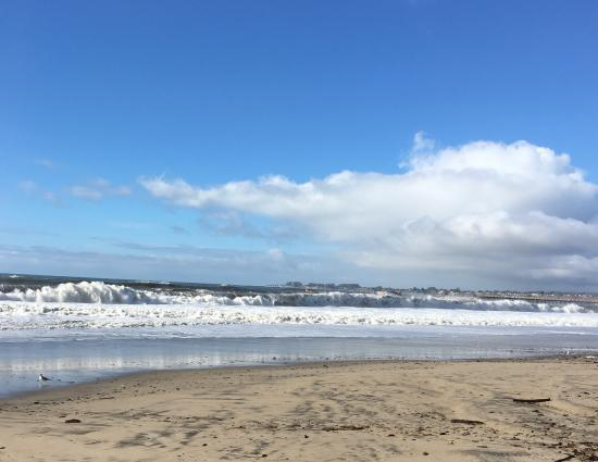Aptos, CA: Rough surf day