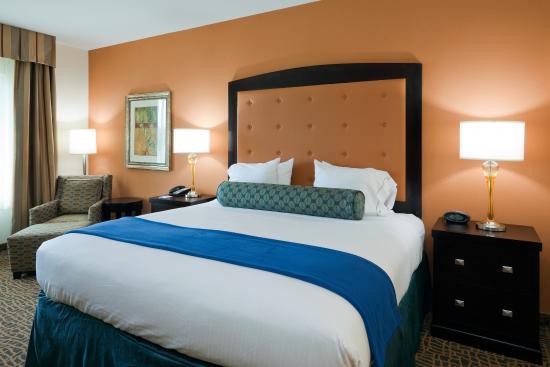 Saraland, AL: Guest Room