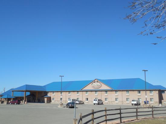 Blue Mountain Inn & Suites