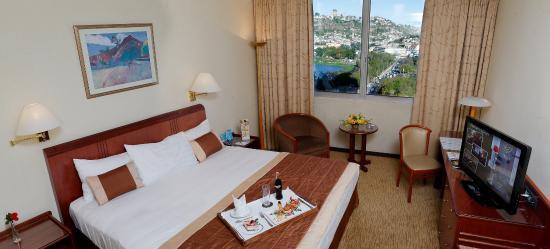 Hotel Carlton Antananarivo Madagascar: Premium Guestroom