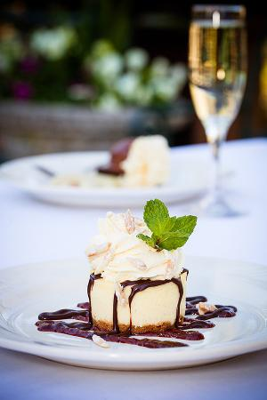 Garberville, CA: Wine and Cheesecake