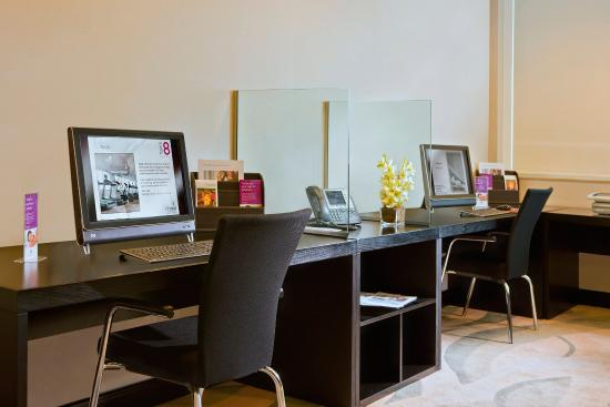 Cristal Hotel Abu Dhabi: Business Centre