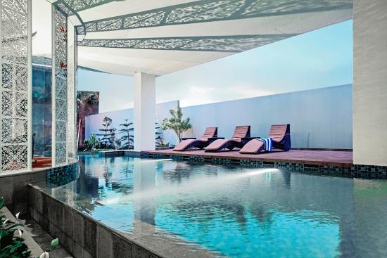 swimming pool picture of mercure nexa bandung supratman bandung rh tripadvisor ca