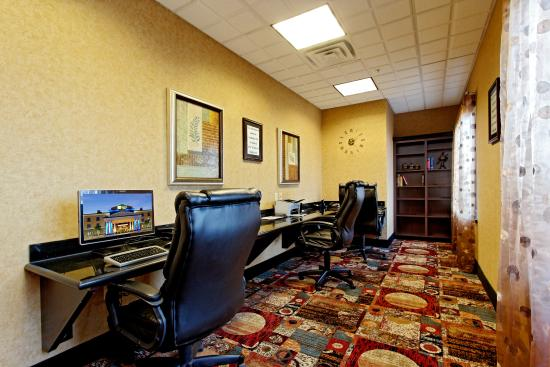 Holiday Inn Express Hotel & Suites Odessa: Business Center