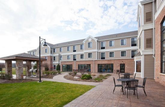 Oconomowoc, Wisconsin: Courtyard Milwaukee West - Oconomowac