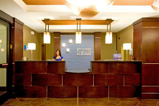 Beeville, TX: Front Desk