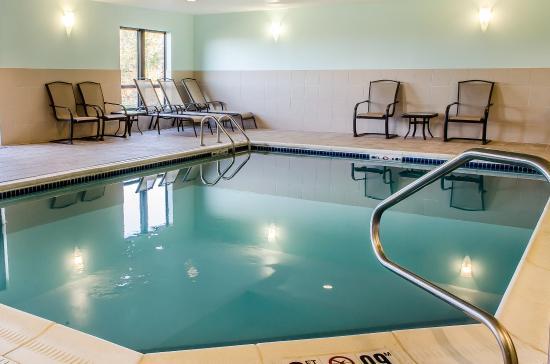 comfort suites bloomsburg 85 1 0 1 prices hotel. Black Bedroom Furniture Sets. Home Design Ideas