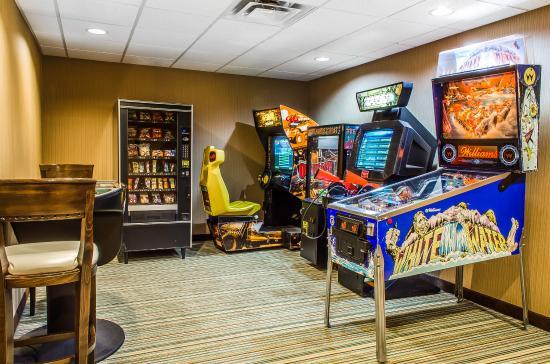 Comfort Suites Bloomsburg: Arcade