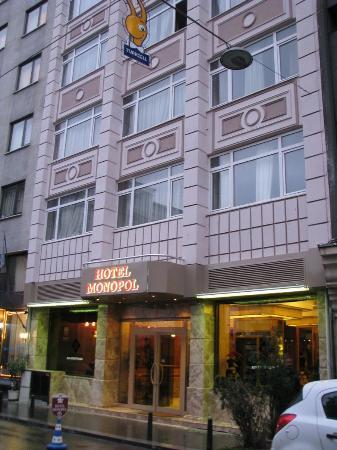 โรงแรมโมโนโพล