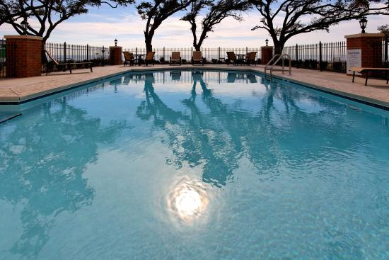Long Beach, MS: Swimming Pool