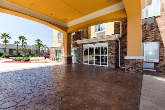 Photo of Comfort Suites Pearland - South Houston