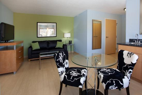 Rock Springs, WY: Take a break in our extended king room with sitting areas.