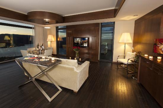 Βέρνον, Καναδάς: Penthouse Living Room