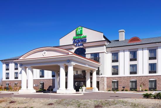 Covington, Теннесси: Hotel Exterior