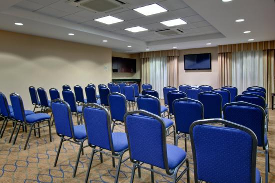 Kincardine, Canada: Piper Suite offers several set-up options for productive meetings