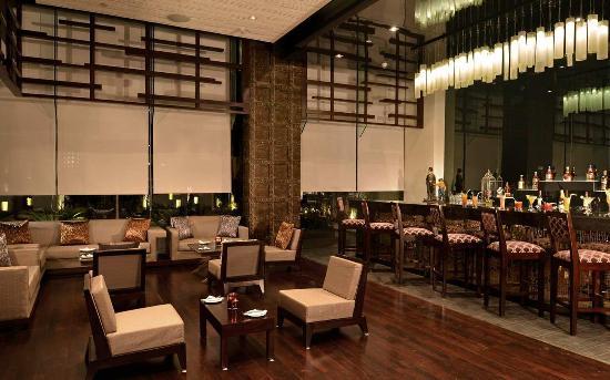 Hilton Garden Inn Gurgaon Baani Square India: Pose Bar