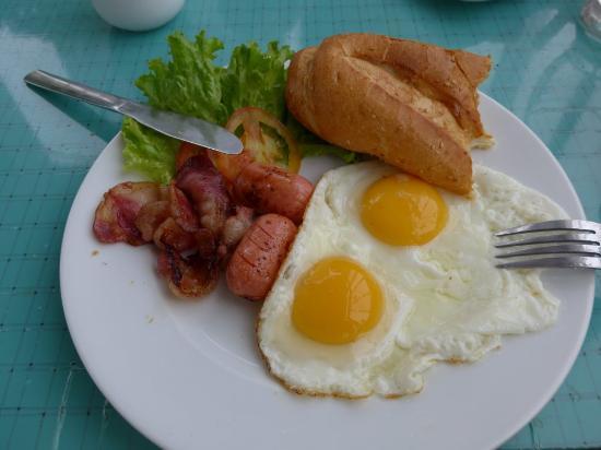 Green Suites Hotel: Breakfast