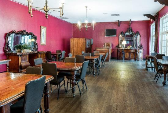 Triadelphia, WV: Restaurant