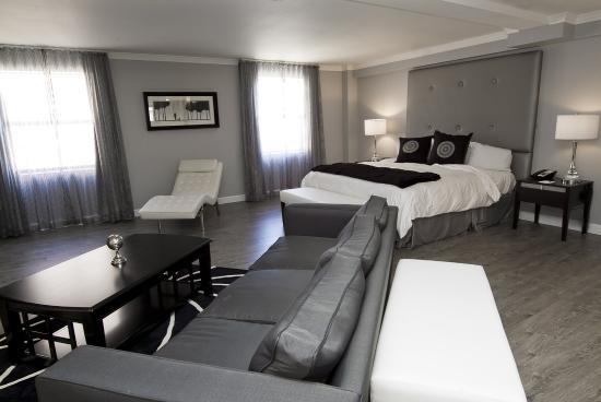 Hotel Deco XV: Whirlpool Suite