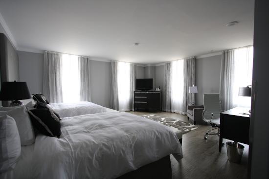 Hotel Deco XV: Double Queen