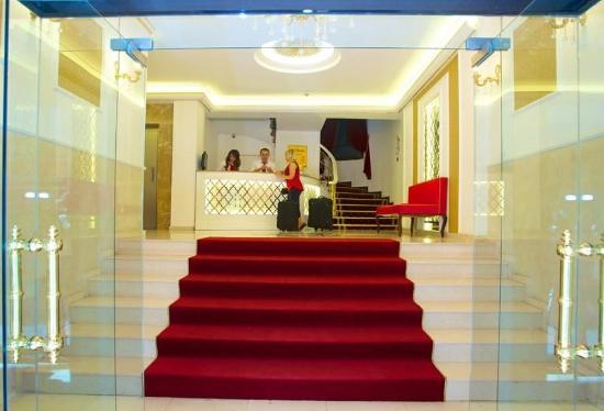 Valide Hotel: Building