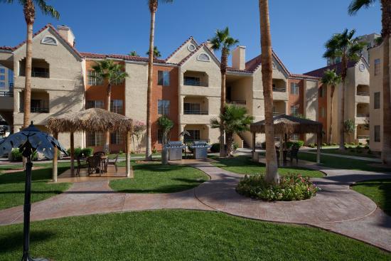 Photo of Holiday Inn Club Vacations Las Vegas - Desert Club Resort