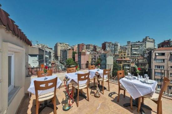 Al Sinno Hotel: Balcony