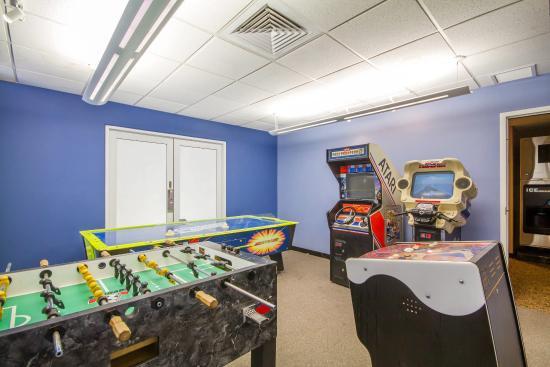 Econo Lodge Sheboygan : Arcade