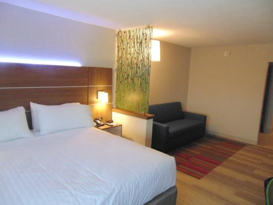 วาปาโคเนตา, โอไฮโอ: King Suite Sofa Sleeper