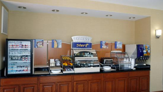 Leland, Carolina del Norte: Breakfast Bar