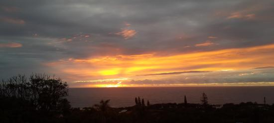 Ocean View Bed and Breakfast: Sunrise