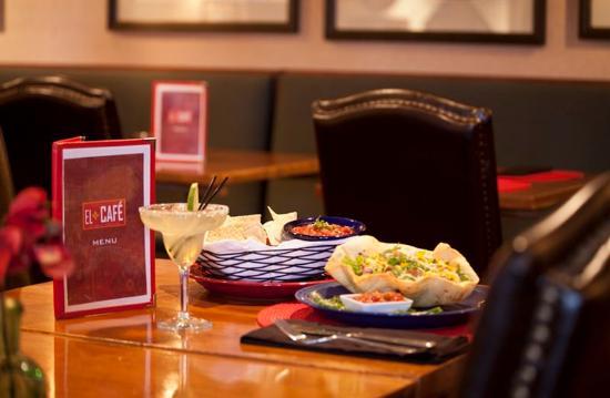 Inn At Santa Fe : El Cafe
